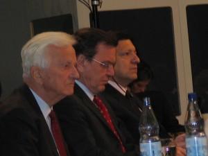 von Weizsäcker, Schröder en Barroso, Berliner Konferenz, 2004, Berlijn.